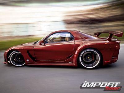 Mazda RX-7. Вид сбоку.