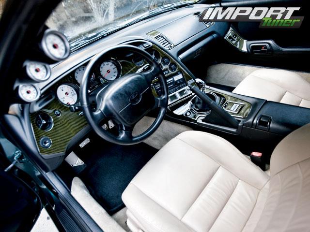 Интерьер Toyota Supra.