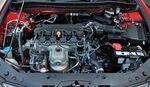Двухлитровый двигатель выдаёт 156 лошадиных сил и 192 ньютона крутящего момента. Думаете, это чуток доработанный прежний движок? Ошибаетесь! Это новая «четвёрка» R20, которая уже в слегка дефорсированном варианте устанавливается на Honda CR-V. Среди особенностей мотора — оптимизированная система изменения фаз газораспределения i-VTEC, управляющая временем открытия и высотой подъёма клапанов на впуске, а также впускной коллектор переменной длины.