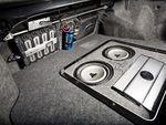 Subaru Impreza WRX. Багажное отделение и часть аудиосистемы.