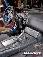Интерьер Honda S2000.