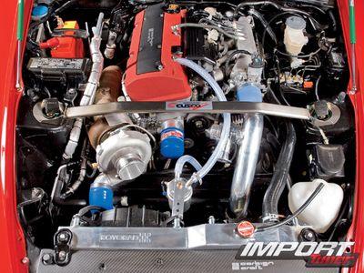Двигательный отсек Honda S2000.