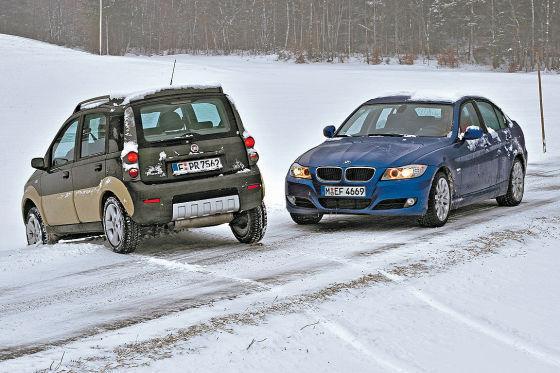 Fiat встает поперек дороги BMW только при покорении подъема. В вопросах динамики BMW настоящий ас.