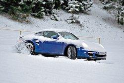 В роли дорогого: Porsche 911 Turbo (143008 евро)