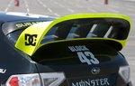 Спойлер WRC установлен на дверь багажника STI.