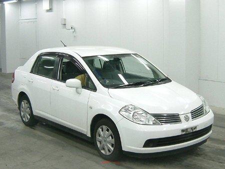 Nissan Tiida Latio (�������)