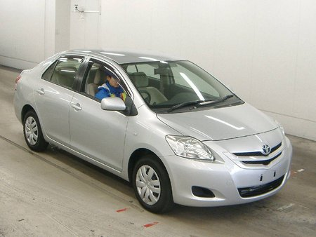 Toyota Belta (�������)