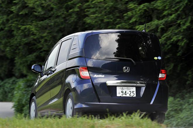 Honda выпускает гибридную модификацию Honda Freed и Honda