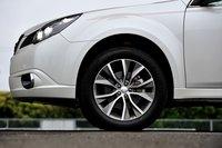 Outback S Package оснащен новыми 18-дюймовыми алюминиевыми летними шинами 225/55R18.