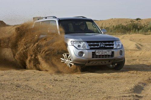 Тест-драйв обновленного Mitsubishi Pajero