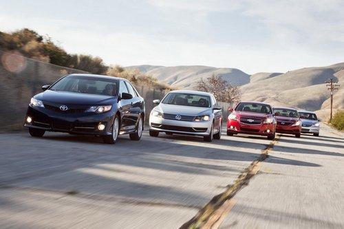 Hyundai Sonata, VW Passat, Chevy Malibu против Toyota Camry и Honda Accord