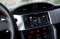 Версия Limited оснащается системой навигации с сенсорным дисплеем.