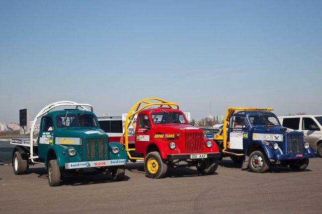 Команда из Эстонии на раллийных грузовиках ГАЗ 51