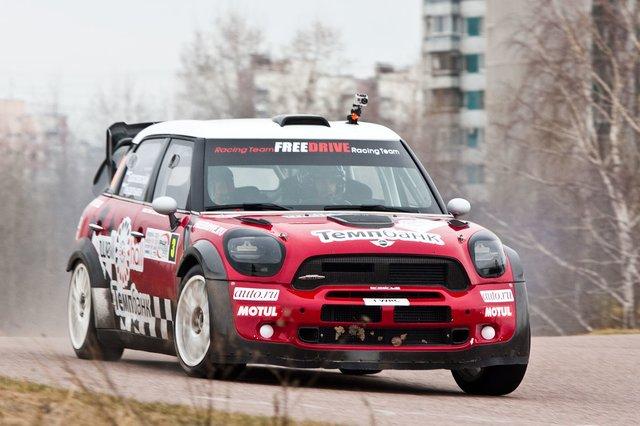 Mini John Cooper Works WRC (пилот Геннадий Брославский)