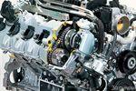 Двигатель Lexus LS600h.