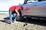 «Тойота» предложила оценить «Ленд Крузер» в действительно серьезных условиях: колеса «летели» одно за другим, да и порогов многие не досчитались.