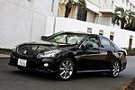 Автомобиль Athlete стандартно комплектуется 18-ти дюймовыми колесами, в то время как у его собрата — Crown Royal — они только 17-дюймовые.