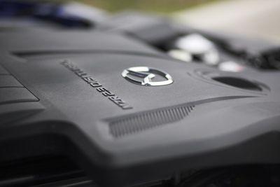 Mazda CX-7 оснащается турбированным двигателем с непосредственным впрыском топлива.
