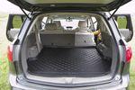 Suzuki XL7 поставляется на американский рынок в пяти- и семиместной комплектациях, нам досталась пятиместная, у которой снят последний третий ряд кресел.