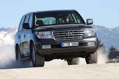 Toyota Land Cruiser 200.