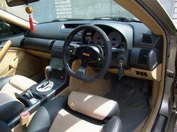 Салон Nissan Stagea с новым рулем.