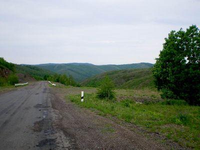 Живописный перевал за Зилаиром, на котором остановились на фотосессию.