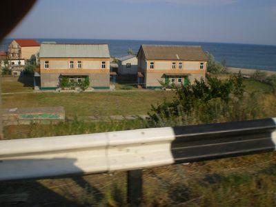 Частные домики на косе, недалеко от Каролина-Бугаз (около моста через устье лимана)