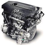 На снимке изображен двигатель рабочим объемом в 2000 «кубиков» с непосредственным впрыском. Двигатель модели MZR 2.0 DISI работает на бензине «regular» (АИ-92, АИ-95), а коэффициент сжатия увеличен до 11,2. Это играет положительную роль в плане увеличения крутящего момента на средних оборотах.