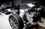 Привод AWD может комбинироваться как с двигателем «турбо», так и с обычным мотором. На фотографии представлен двигатель «турбо», поэтому можно сказать, что это силовая передача от Exiga 2.0GT.