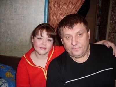 Александр со своей девушкой Катей.