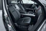 Первый ряд сидений в Mazda CX-9