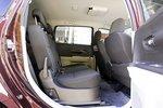 Второй ряд сидений в Daihatsu Boon Luminas