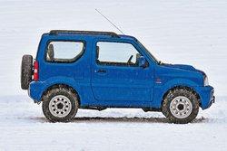 В роли маленького Suzuki Jimny 1.5 DDiS (длина кузова 3645 мм)