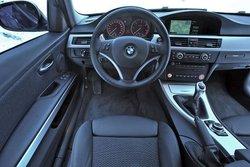 У находчивого BMW все с собой: помимо всего прочего, в распоряжении пилота наряду с полным приводом xDrive имеются такие устройства, как HDC (система контроля тяги для спуска с уклонов) и система ESP с двумя режимами.