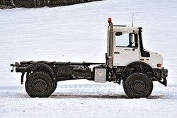 В роли великана: Mercedes Unimog U5000 (длина колесной базы 3250мм)