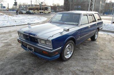 Nissan Cedric, 1982 года выпуска.