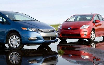 Новый Prius расходует 4,7 л на 100 км в комбинированном режиме против 5,73 л у Insight.