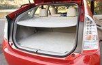 Полка багажника входит в стандартное оснащение Toyota Prius 2010.