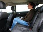 Как на передних, так и на задних сиденьях пассажирам не будет тесно.