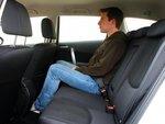 Сиденье Mazda неплохо было бы побольше наклонить, чтобы создать опору для длинных ног.