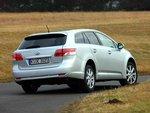 При непосредственном сравнении этот автомобиль показывает медлительность и обходительность в плане управления, ...