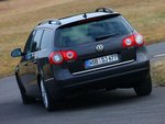 Пышно оснащенный различным оборудованием, тестируемый автомобиль весит 1623 килограмма, ...