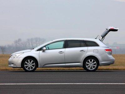 С примерной потерей в стоимости 15 000 евро за четыре года цена Toyota Avensis оказывается особенно стабильной.