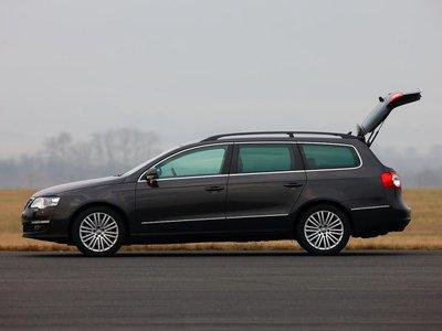 VW располагает самым вместительным багажным отделением объемом 603 литра.