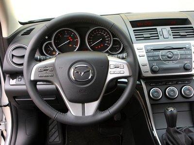 Точное рулевое управление, классические понятные обозначения инструментов.