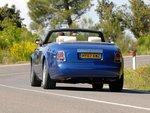 Настоящую мощь Rolls-Royce замечаешь только при сравнении с другими автомобилями.