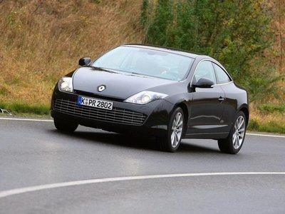 Renault вернулся в сегмент шикарных купе с двухдверной Laguna.