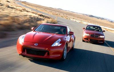 Под капотом у автомобилей двигатели мощностью более 300 л.с. Так что эти машины не просто купе, но и настоящие спорт-кары.