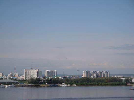 Вид на китайский город Хэйхэ из Благовещенска.