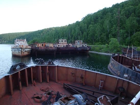 Старые корабли Байкальского флота.